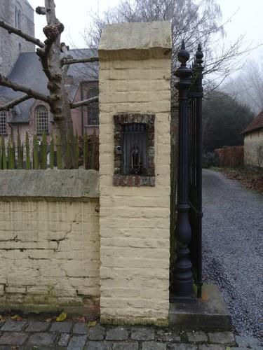 Oudenaarde Mullemstraat zonder nummer Niskapel in poortpijler