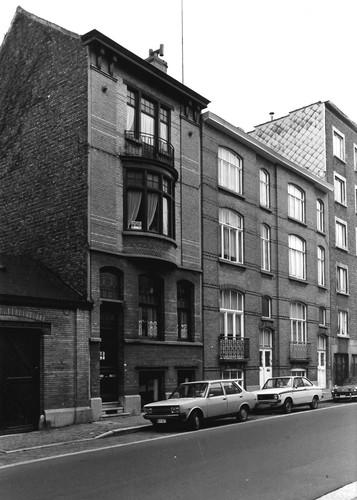 Gent Leeuwstraat 13-17 (anno 2017 nummers 15-19)