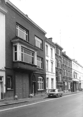 Gent Leeuwstraat 32-38 (anno 2017 nummers 46-52)