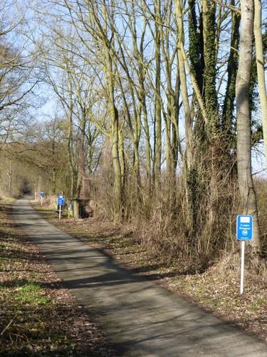 Tongeren, Overrepen, fietspad op voormalige spoorlijn ter hoogte van Haren.