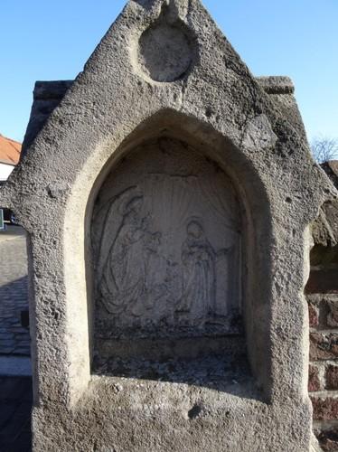 Zingem Kloosterstraat Detail ommegangkapel Statie 1 De boodschap