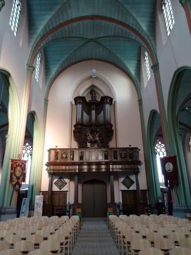 Kruishoutem Markt 25 Orgel in parochiekerk Sint-Eligius