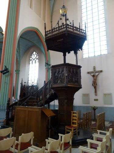 Kruishoutem Markt 25 Preekstoel in parochiekerk Sint-Eligius