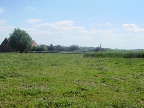 Wulvergem: Pond Farm Cemetery: ligging