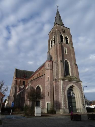 Zulte Centrumstraat 4 Oostzijde van de Sint-Petruskerk