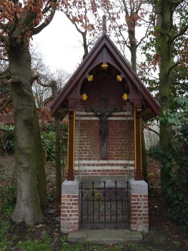 Zulte Kerkstraat 39 Kruiskapel aan straatzijde
