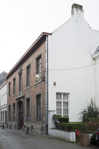 Halle Dekenstraat 20