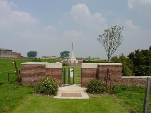 Wulvergem: Packhorse Farm Shrine Cy: toegang