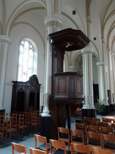 Kluisbergen Grote Herreweg zonder nummer Preekstoel in de Sint-Corneliuskerk