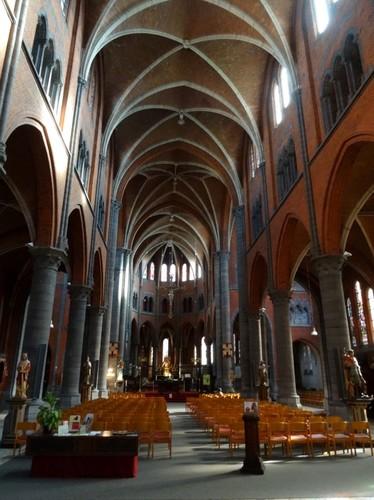 Ronse Kerkplein zonder nummer Interieur van de Sint-Martinuskerk