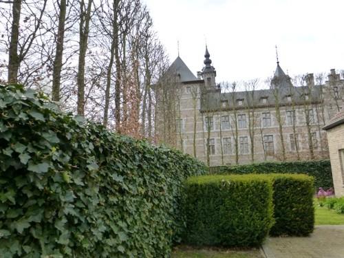 Aanleg rondom het kasteel van Ordingen.