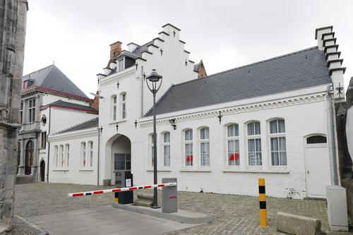 Oudenaarde Sint-Walburgastraat 9 inkom
