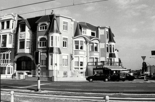 Oostende, Zeedijk 352, Middenlaan 94-96