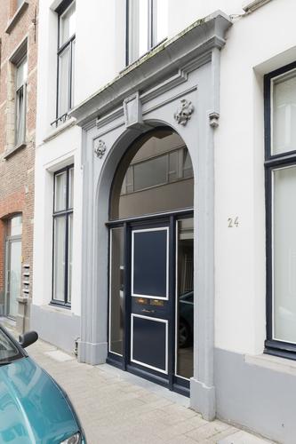 Antwerpen Bogaardestraat 2-6 poortomlijsting