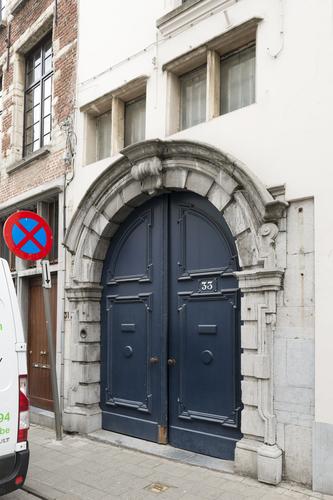 Antwerpen Lange Koepoortstraat 33 barokpoort