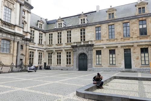 Antwerpen Korte Nieuwstraat 33, gevel Hendrik Conscienceplein