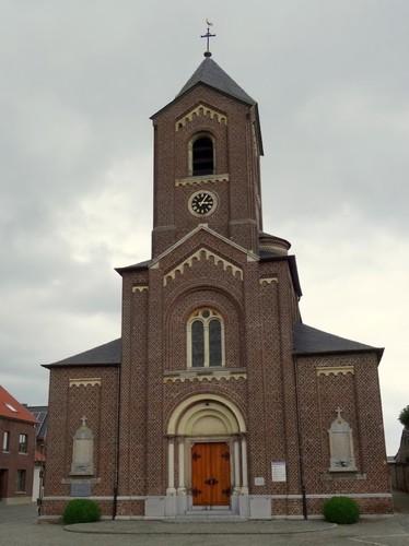 Kortessem Dorpsplein zonder nummer Zuidwestzijde van de Onze-Lieve-Vrouw Hemelvaartkerk