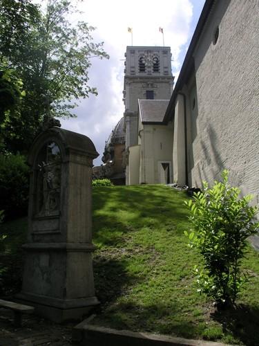 Plantsoen en omgeving van de Basiliek Onze-Lieve-Vrouw