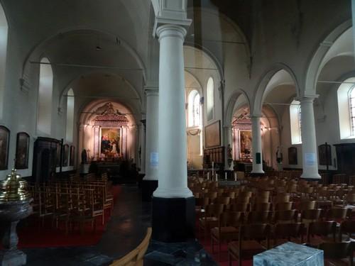 Zwevegem Otegemplaats zonder nummer Interieur van de parochiekerk Sint-Amandus en Sint-Anna
