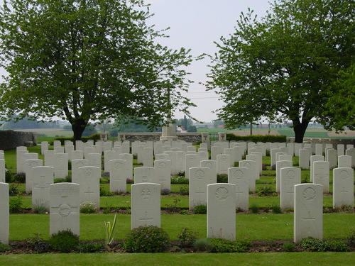 Nieuwkerke: Kandahar Farm Cemetery