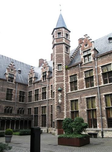 Antwerpen Prinsstraat 13 oostelijke binnenplaats