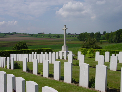 Nieuwkerke: Westhof Farm Cemetery