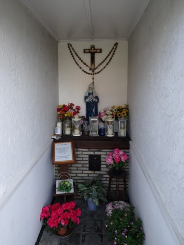 Waregem Blauwe-Zwaanstraat zonder nummer interieur van de kapel Onze-Lieve-Vrouw van Genade
