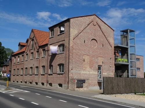 Anzegem Oostdorp 35-37 Brouwerij Van Cauwenberghe aan zuidoostzijde
