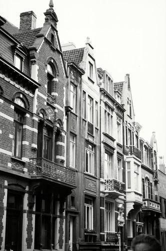 Oostende, Euphrosina Beernaertstraat 37, 43, 45
