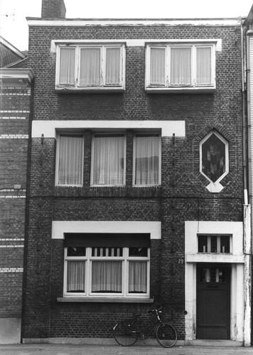 Sint Niklaas Dr Van Raemdonckstraat 29