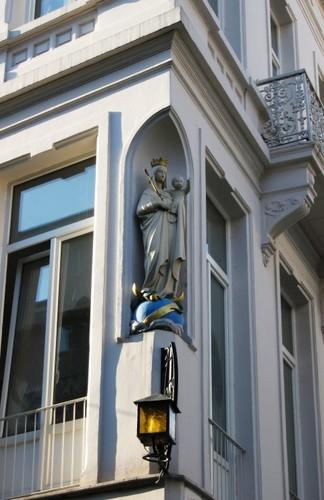 Antwerpen Korte Nieuwstraat 13 Madonna