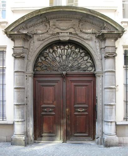 Antwerpen Oude Beurs 27 poort