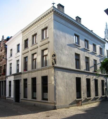 Antwerpen Sint-Pieter-en-Paulusstraat 2
