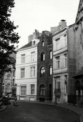 Oostende, Filip Van Maestrichtplein 1, 2