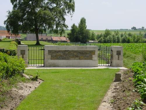 Dranouter: Dranoutre Military Cemetery: toegang