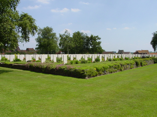 Dranouter: Dranoutre Military Cemetery