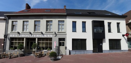 Kortrijk Bellegemplaats 1-2 Voormalig gemeentehuis Bellegem