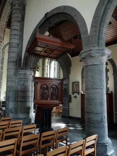 Kortrijk Rollegemplaats zonder nummer Preekstoel van de parochiekerk Sint-Antonius abt