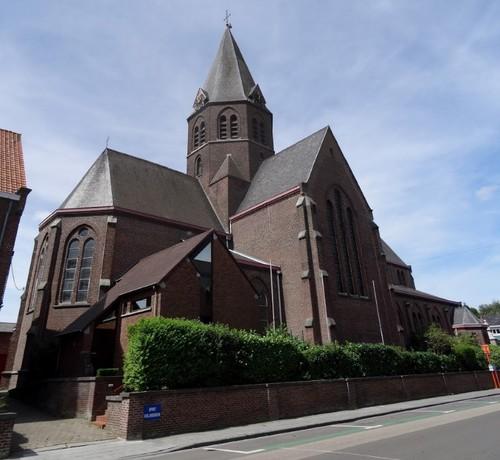 Kortrijk Bissegemplaats zonder nummer Zuidoostzijde van de kerk