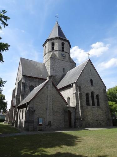 Kortrijk Rollegemplaats zonder nummer Zuidoostzijde van de parochiekerk Sint-Antonius abt