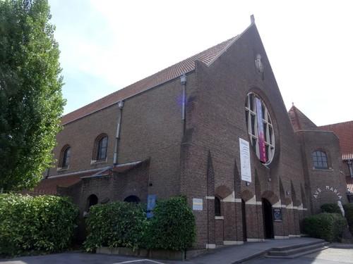 Kortrijk Aalbeeksesteenweg 13 Noordwestzijde van de Sint-Jozefkloosterkerk