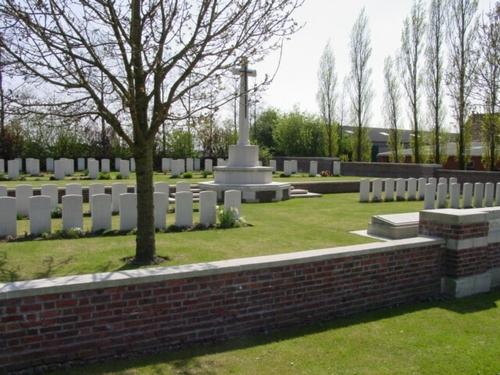 Kemmel: Godezonne Farm Cemetery: zijlings