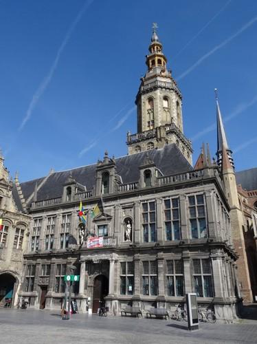 Veurne Grote Markt 29 Belfort zuidoostzijde