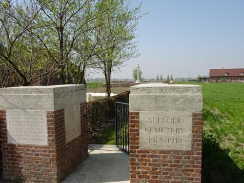 Kemmel: Suffolk Cemetery: toegang