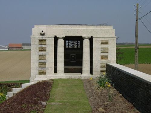 Kemmel: Klein Vierstraat British Cemetery: schuilgebouw