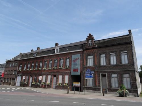 Avelgem Leopoldstraat 64-66 en Doorniksesteenweg 126