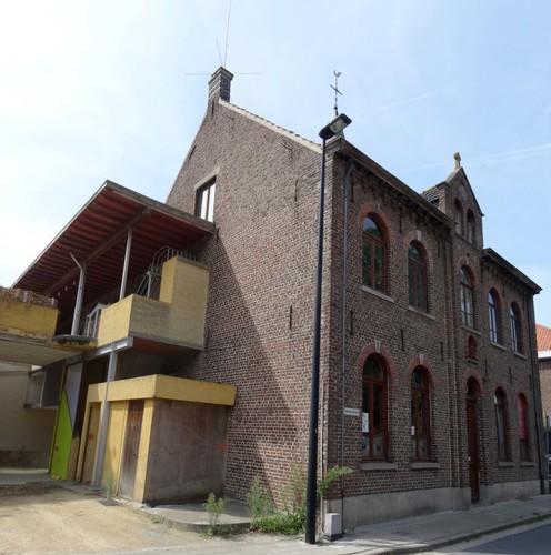 Avelgem Moerbeekstraat 1 Kloosterschool oostzijde
