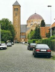 Christus-Koningkerk, school en parochiaal centrum