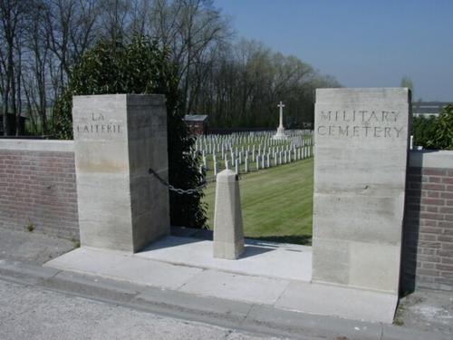 Kemmel: La Laiterie Military Cemetery: toegang