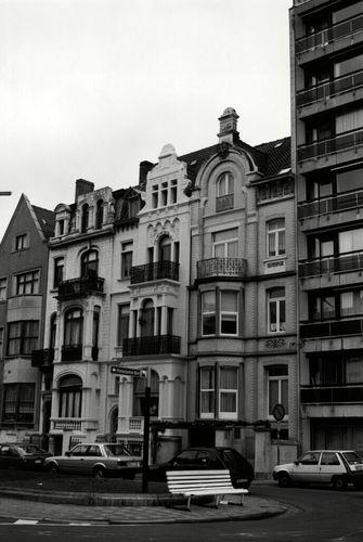 Oostende, Koninginnelaan 40-44